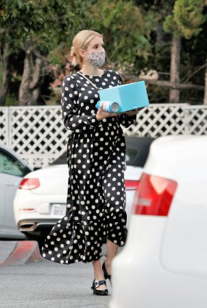 Emma Roberts - Shows baby bump while out shopping in Los Angeles