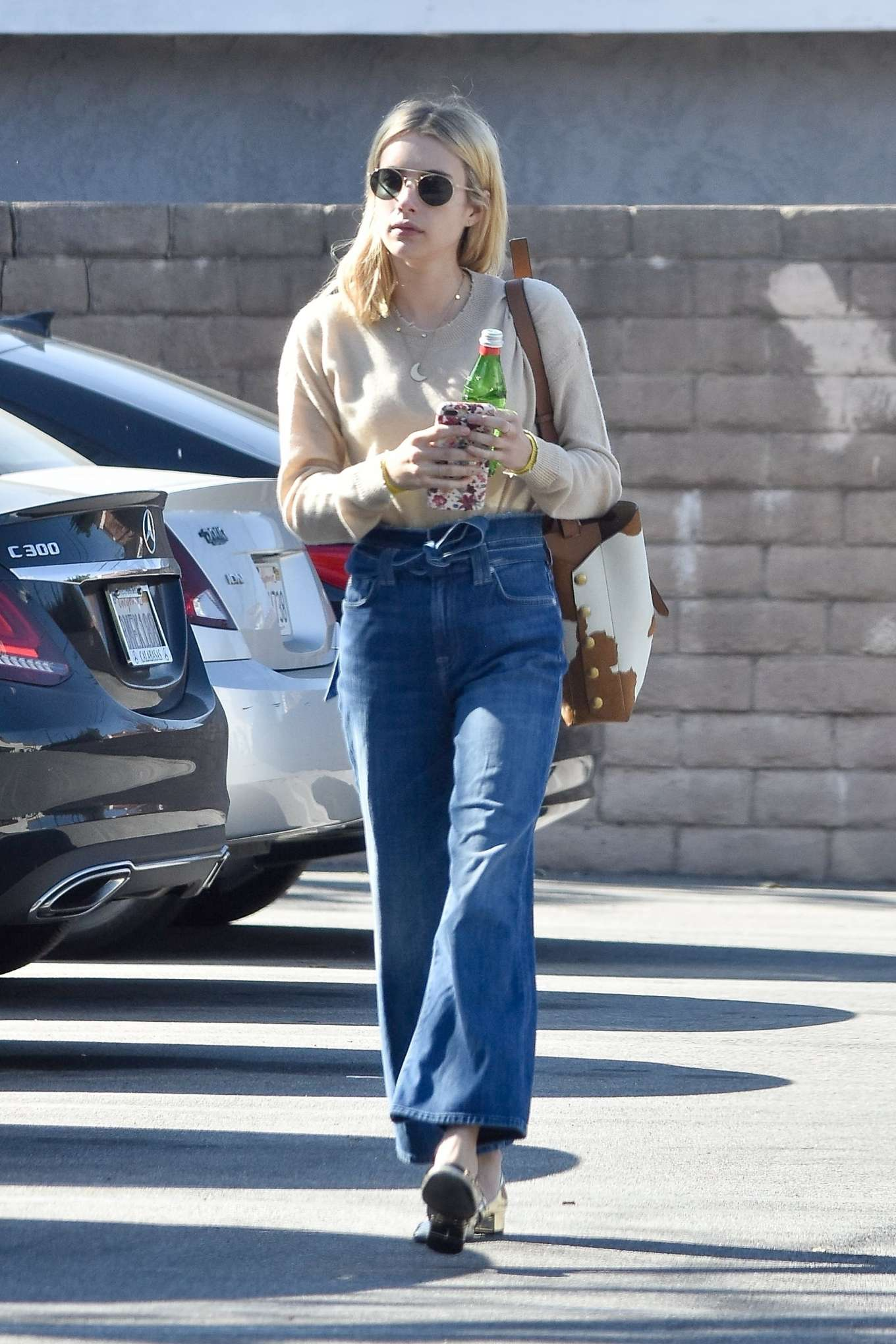 Emma Roberts 2020 : Emma Roberts – Spotted heading to a meeting in Hollywood-07