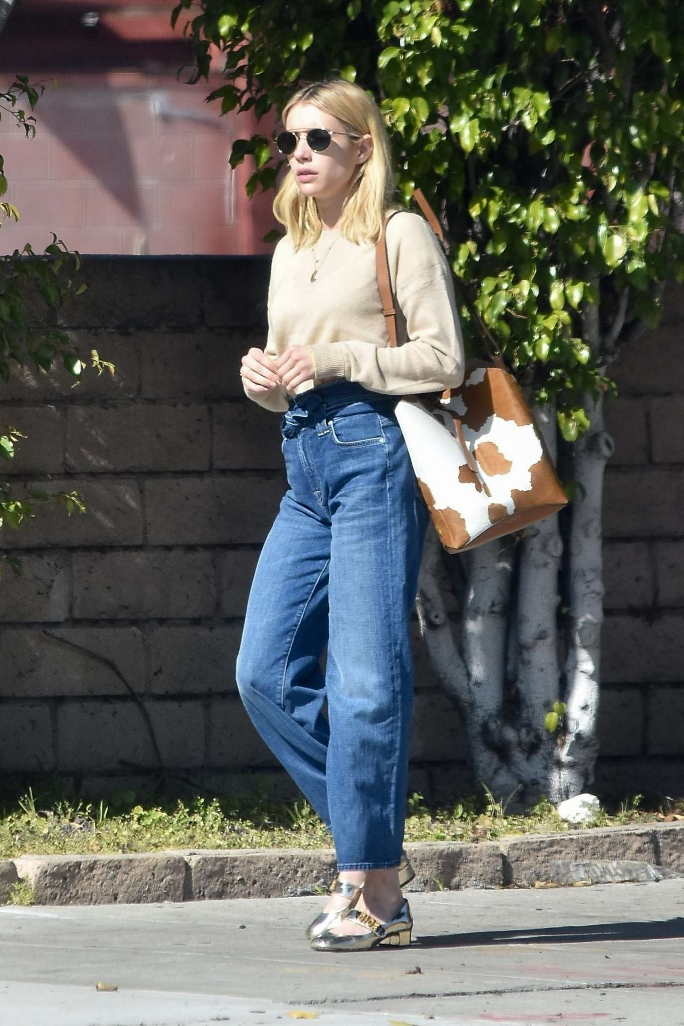 Emma Roberts 2020 : Emma Roberts – Spotted heading to a meeting in Hollywood-09