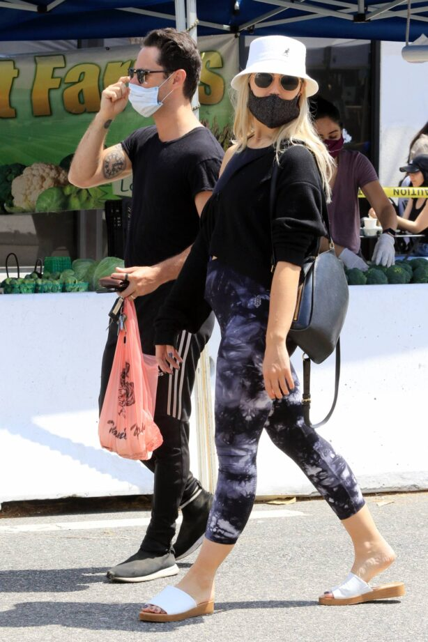 Emma Slater - Shopping at the farmers market in Los Angeles
