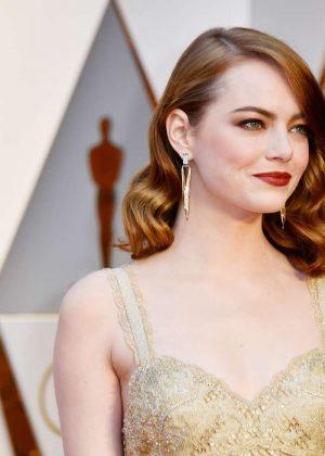 Emma Stone – 2017 Academy Awards in Hollywood  Emma Stone