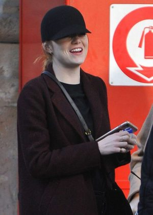 Emma Stone - Arrives at Gare du Nord in Paris