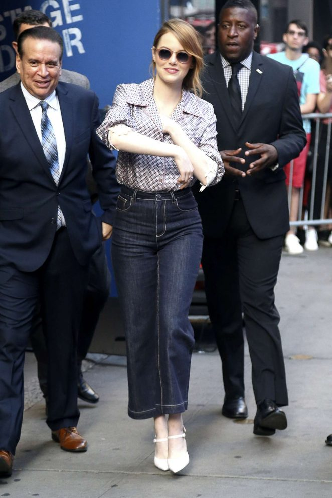 Emma Stone – Arrives at 'Good Morning America' in New York