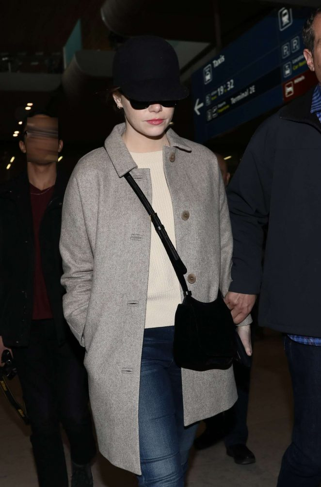 Emma Stone – Arrives at Roissy Airport in France