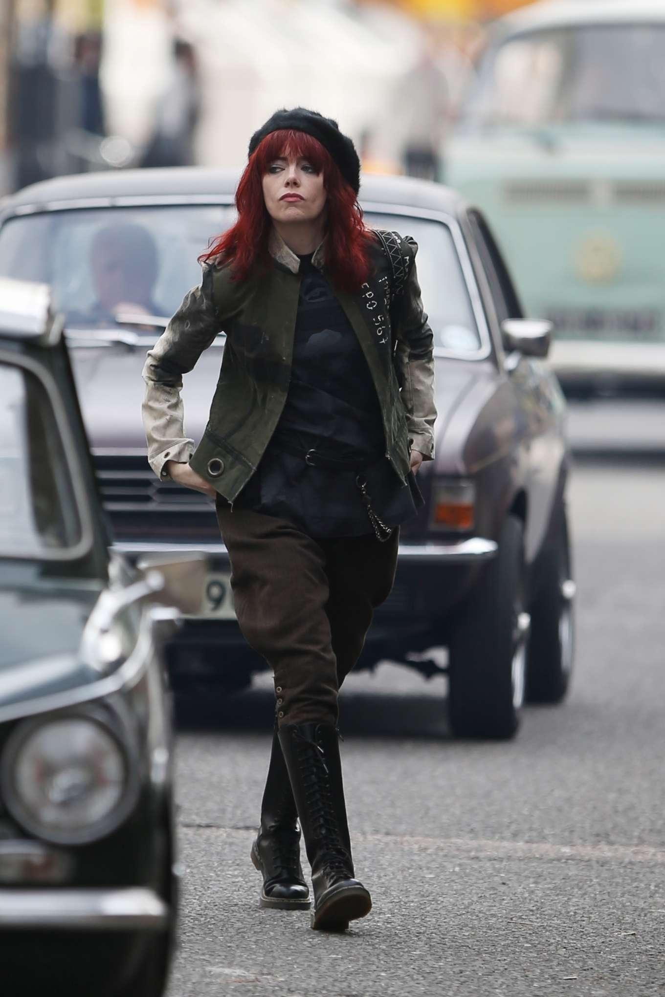 Emma Stone 2019 : Emma Stone – Films Disneys Cruella Movie-14