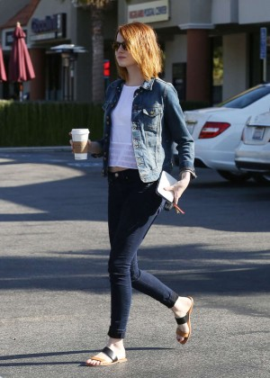 Emma Stone in Tight Jeans -03