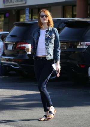 Emma Stone in Tight Jeans -04