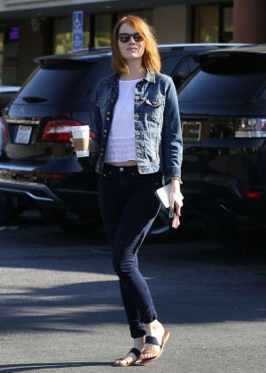 Emma Stone in Tight Jeans -10