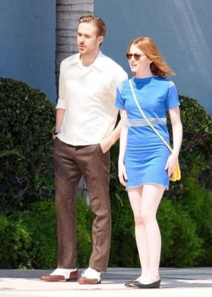 Emma Stone in Bkue Dress on La La Land -04