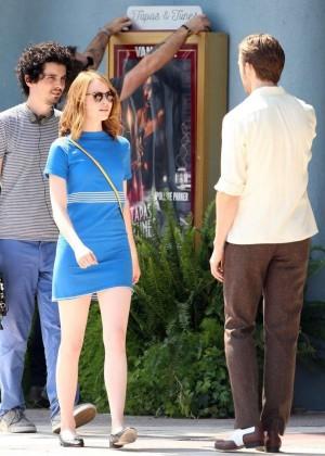 Emma Stone in Bkue Dress on La La Land -05
