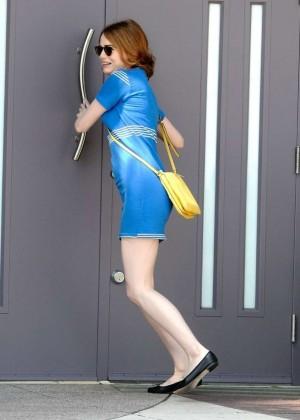 Emma Stone in Bkue Dress on La La Land -12