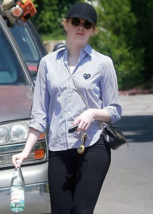 Emma Stone - Leaving a friend's house in LA