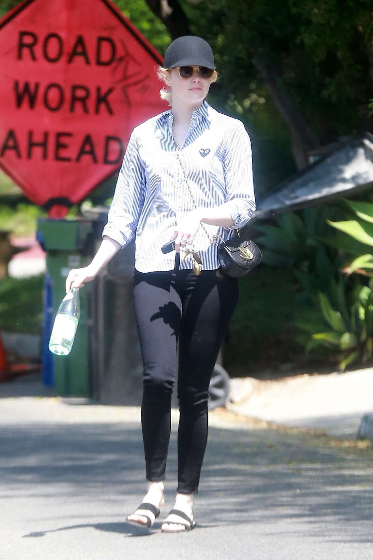 Emma stone leaving a friends house in los angeles naked (95 photos), Feet Celebrites fotos
