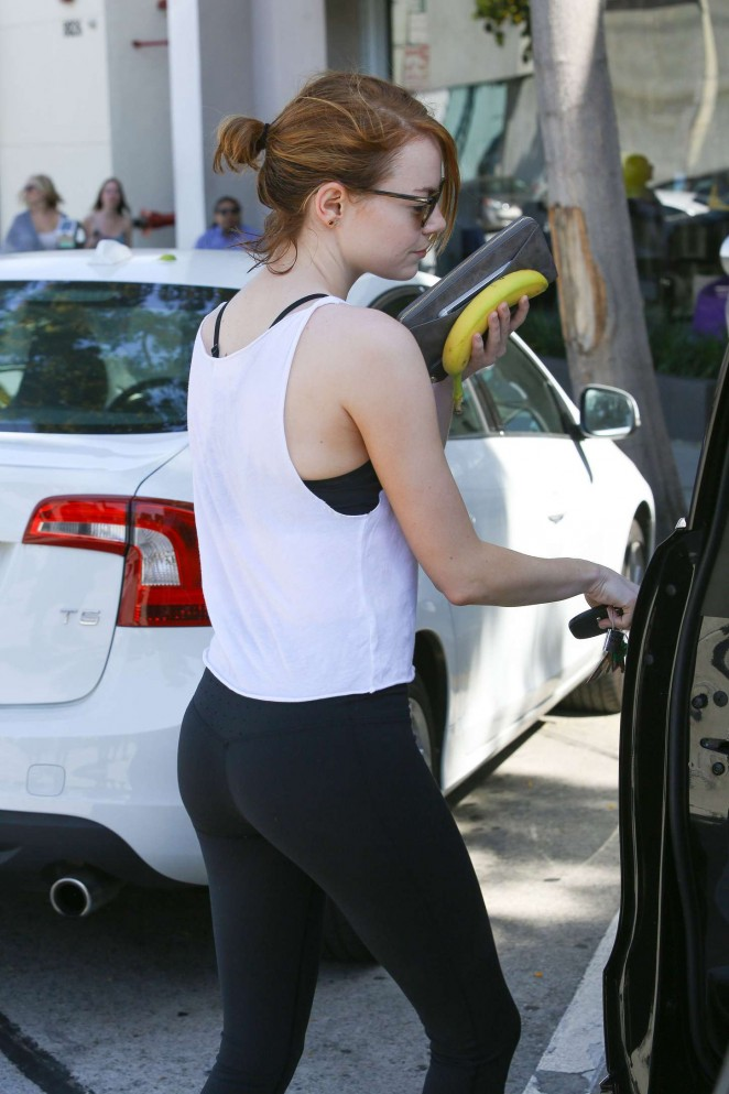 Emma Stone Booty in Tights -01