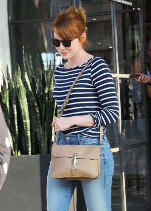 Emma Stone - Leaving a hair salon in Los Angeles