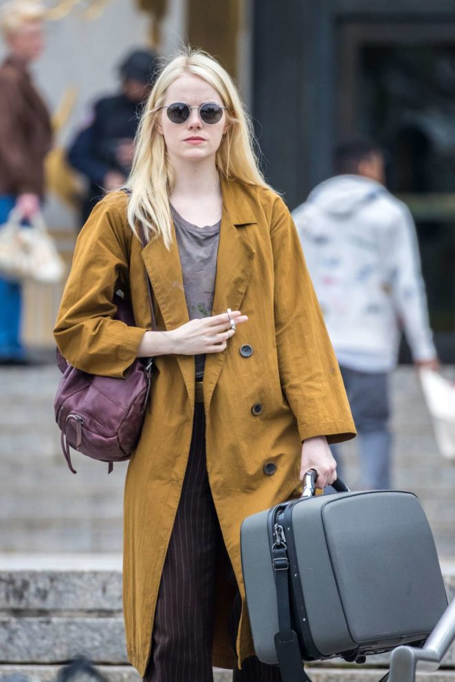 Emma Stone - On the set of 'Maniac' in NYC
