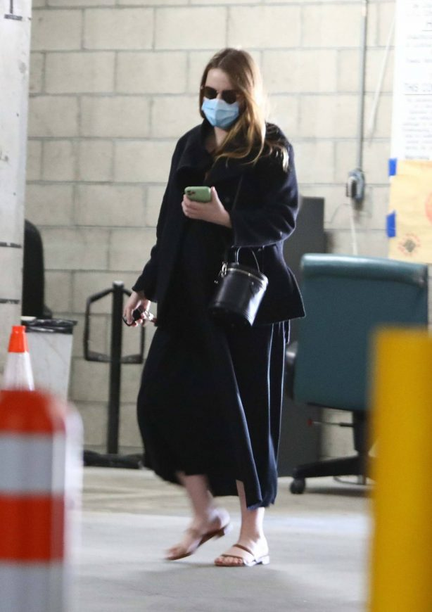Emma Stone - Seen running errands in Santa Monica