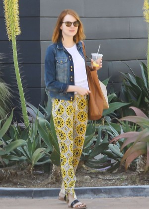 Emma Stone - Shopping at the Malibu Lumber Yard in LA