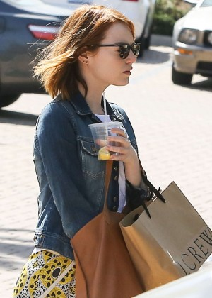 Emma Stone: Shopping at the Malibu Lumber Yard -05