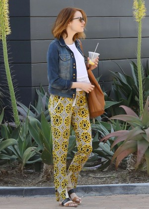 Emma Stone: Shopping at the Malibu Lumber Yard -10
