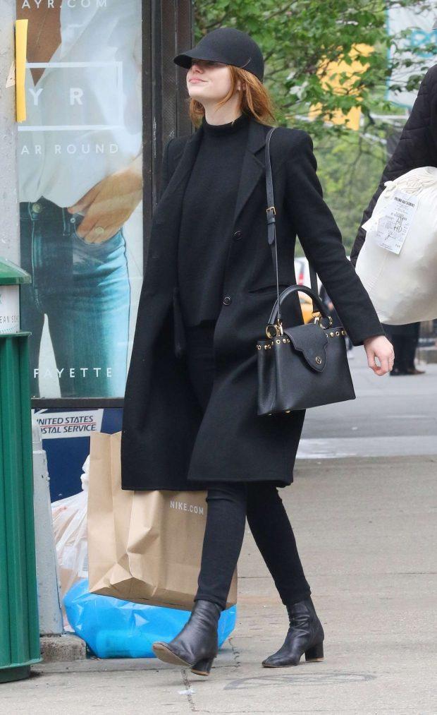 Emma Stone - Shopping in New York