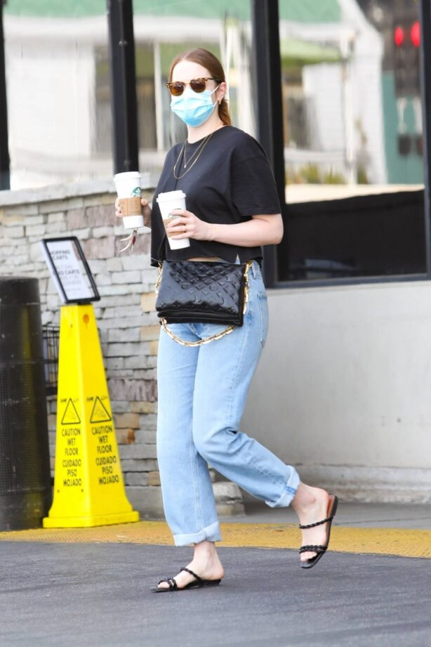 Emma Stone - Steps out for a morning coffee in Pacific Palisades