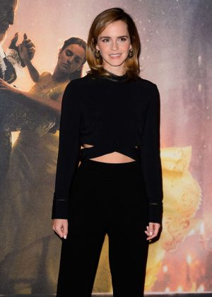 Emma Watson - 'Beauty and the Beast' Photocall in London