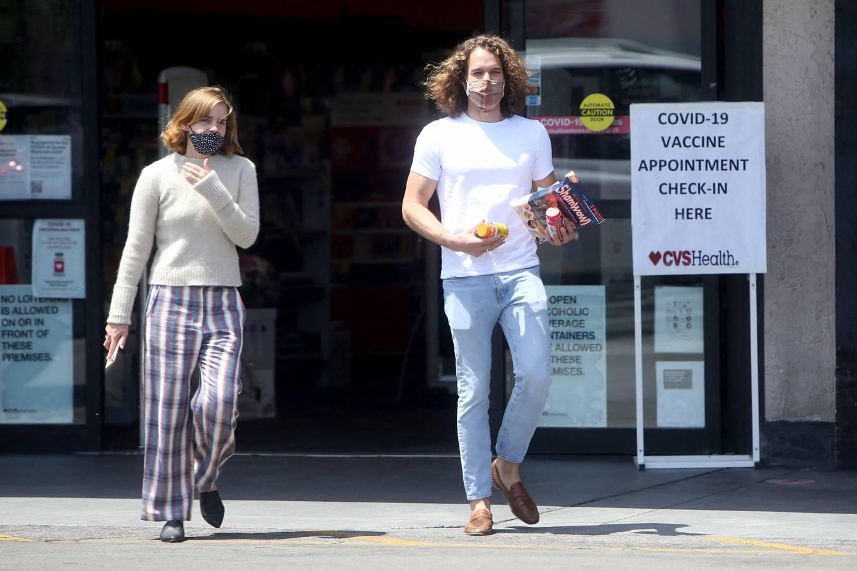 Emma Watson 2021 : Emma Watson – Dons pyjama-style with boyfriend Leo Robinton stop by a CVS in Los Angeles-03