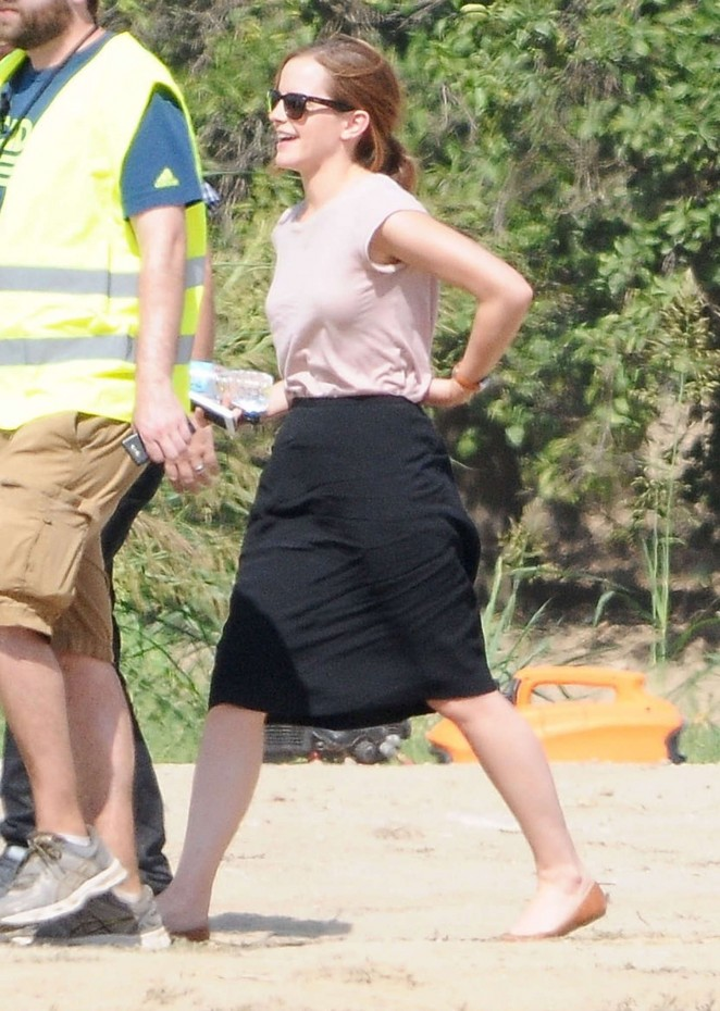 Emma Watson - Filming 'The Circle' in Pasadena