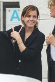 Emma Watson - Having coffee in Venice