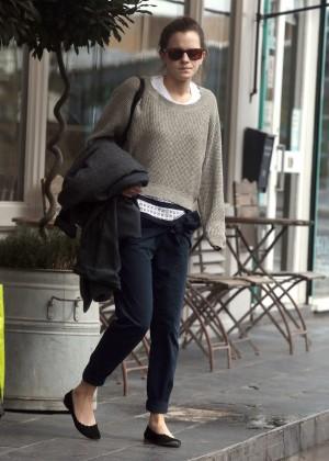 Emma Watson in jeans -01