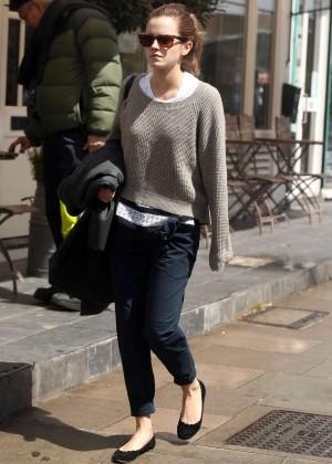 Emma Watson in jeans -04