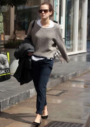Emma Watson in jeans -06