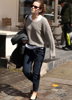 Emma Watson in jeans -10