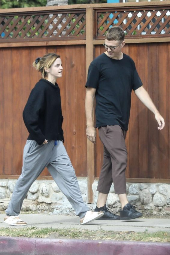 Emma Watson 2019 : Emma Watson – Seen with a friend at Superba Cafe in Venice-02