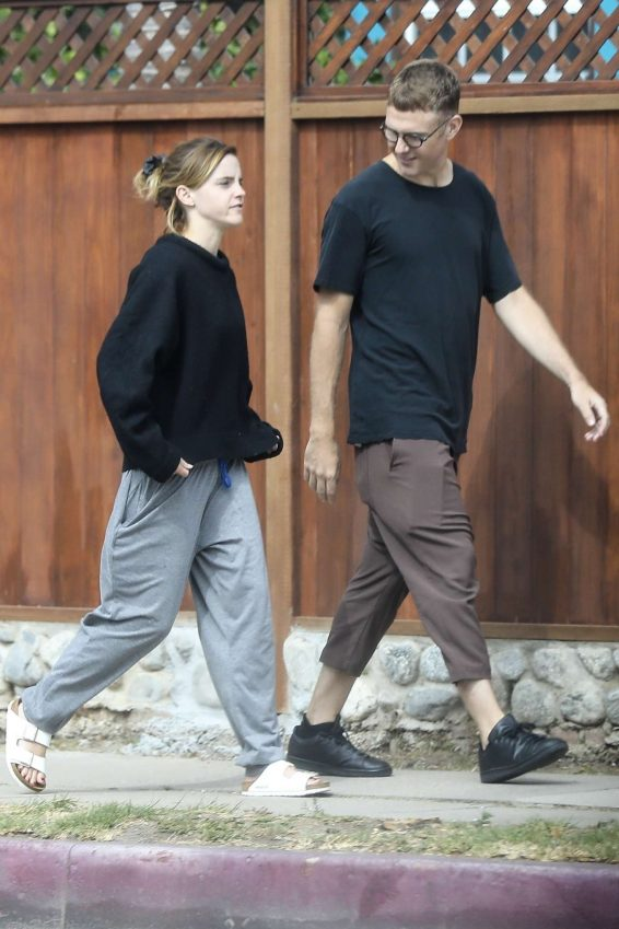 Emma Watson 2019 : Emma Watson – Seen with a friend at Superba Cafe in Venice-03