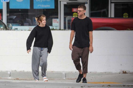 Emma Watson 2019 : Emma Watson – Seen with a friend at Superba Cafe in Venice-04
