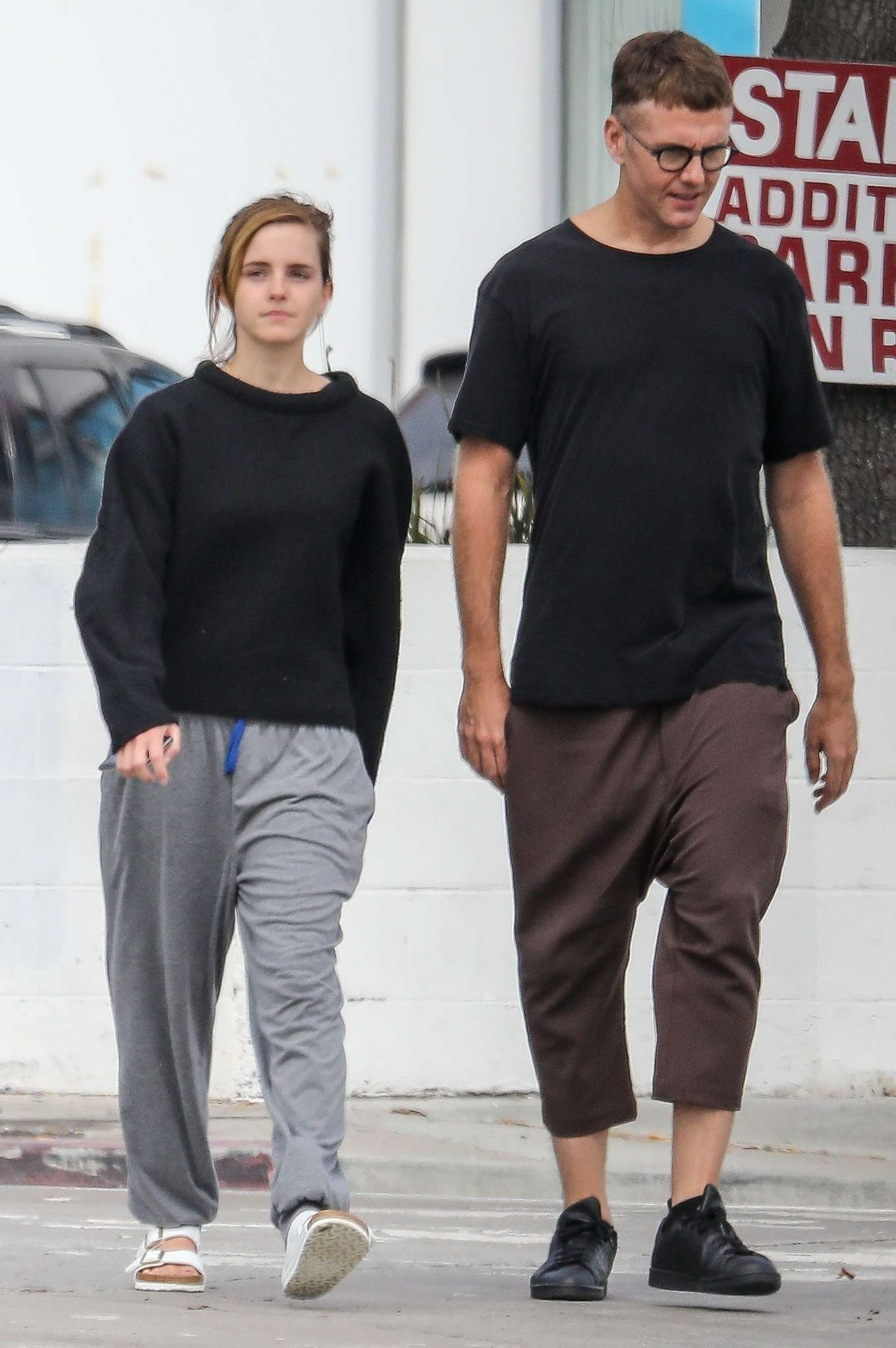 Emma Watson - Seen with a friend at Superba Cafe in Venice