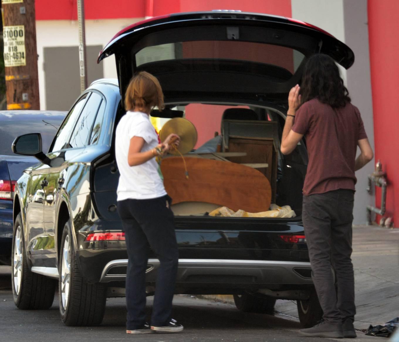 Emma Watson 2021 : Emma Watson – Shopping candids in West Hollywood-12