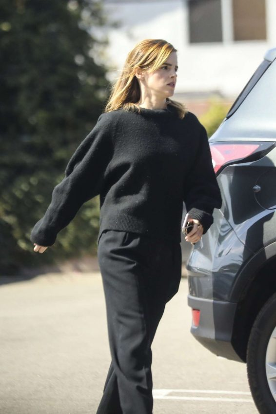 Emma Watson - Spotted outside Cedar Sinai Urgent Care in Culver City