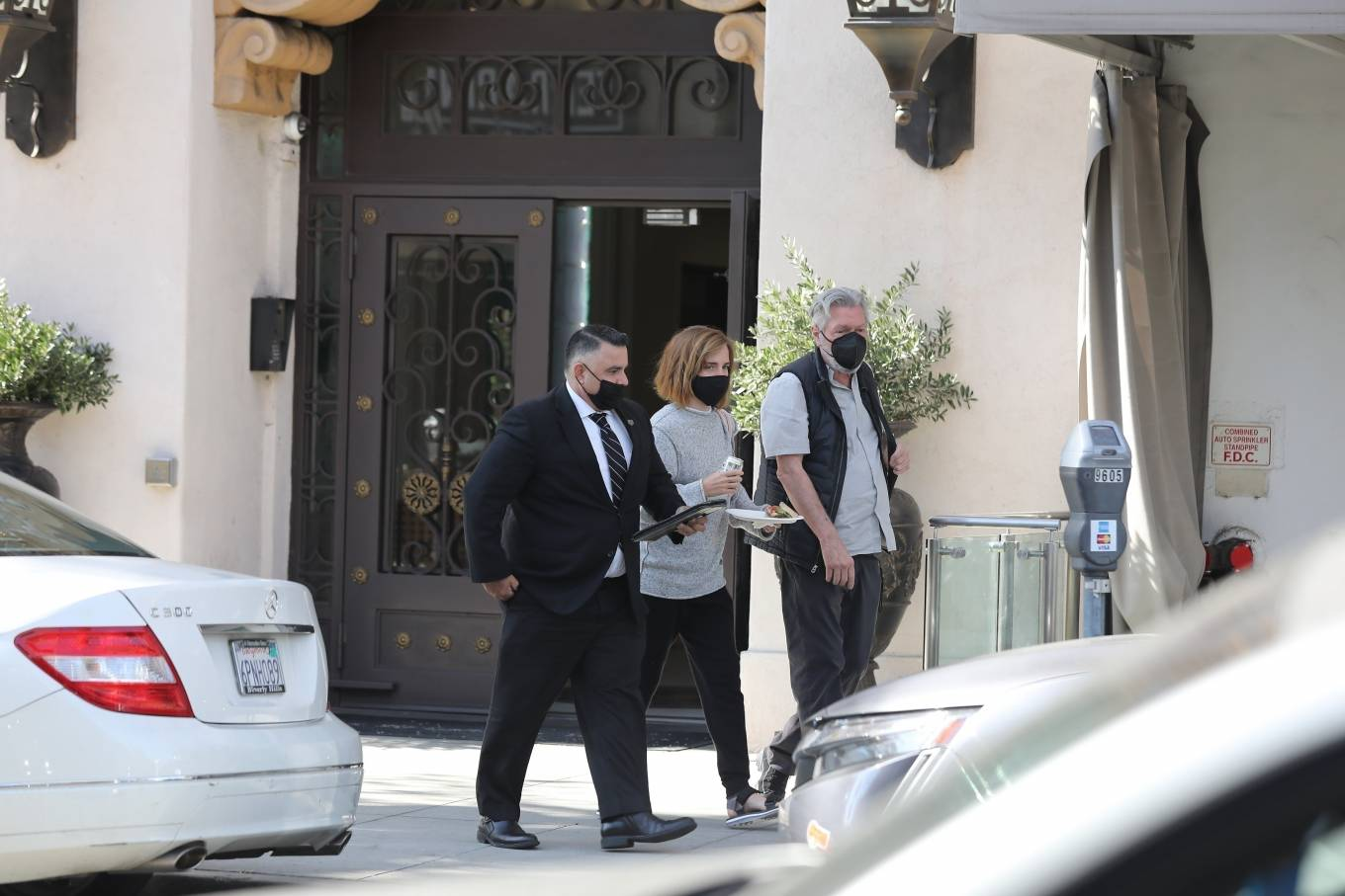 Emma Watson 2021 : Emma Watson – Spotted while leaving a visit to a Beverly Hills tailor-05