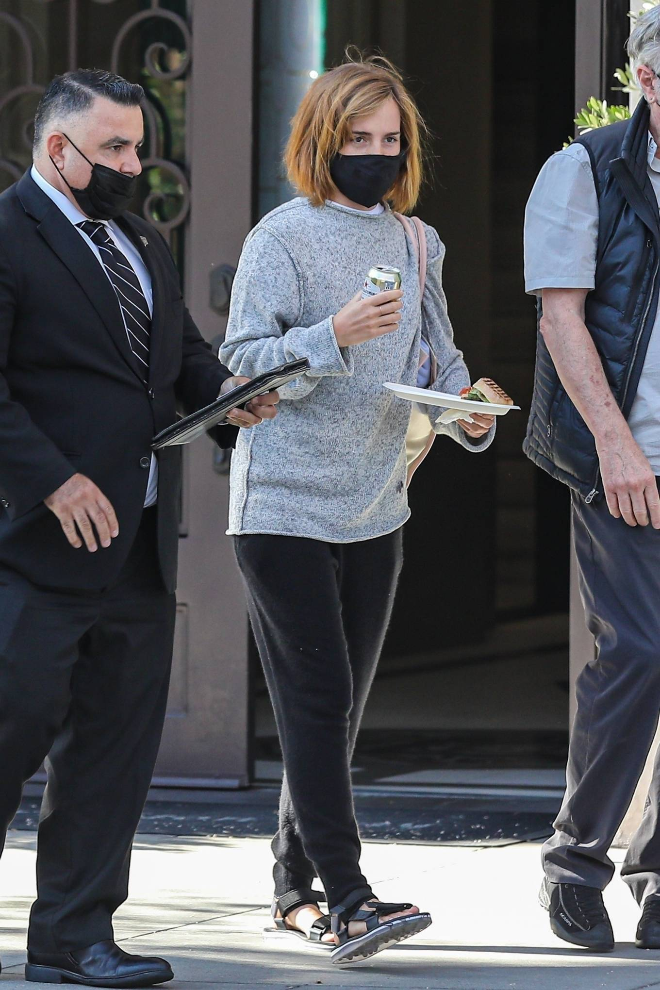 Emma Watson 2021 : Emma Watson – Spotted while leaving a visit to a Beverly Hills tailor-07