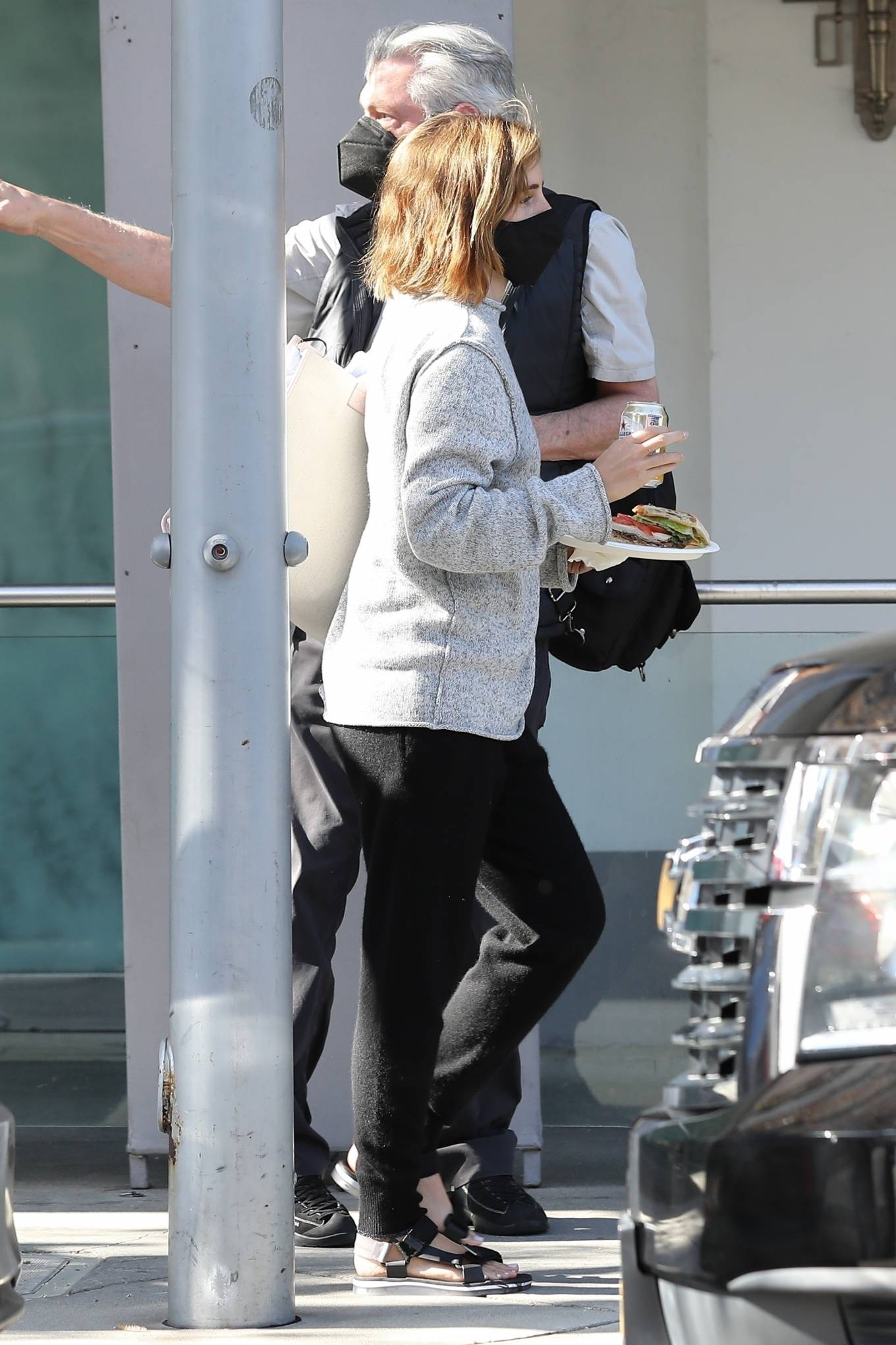 Emma Watson 2021 : Emma Watson – Spotted while leaving a visit to a Beverly Hills tailor-11