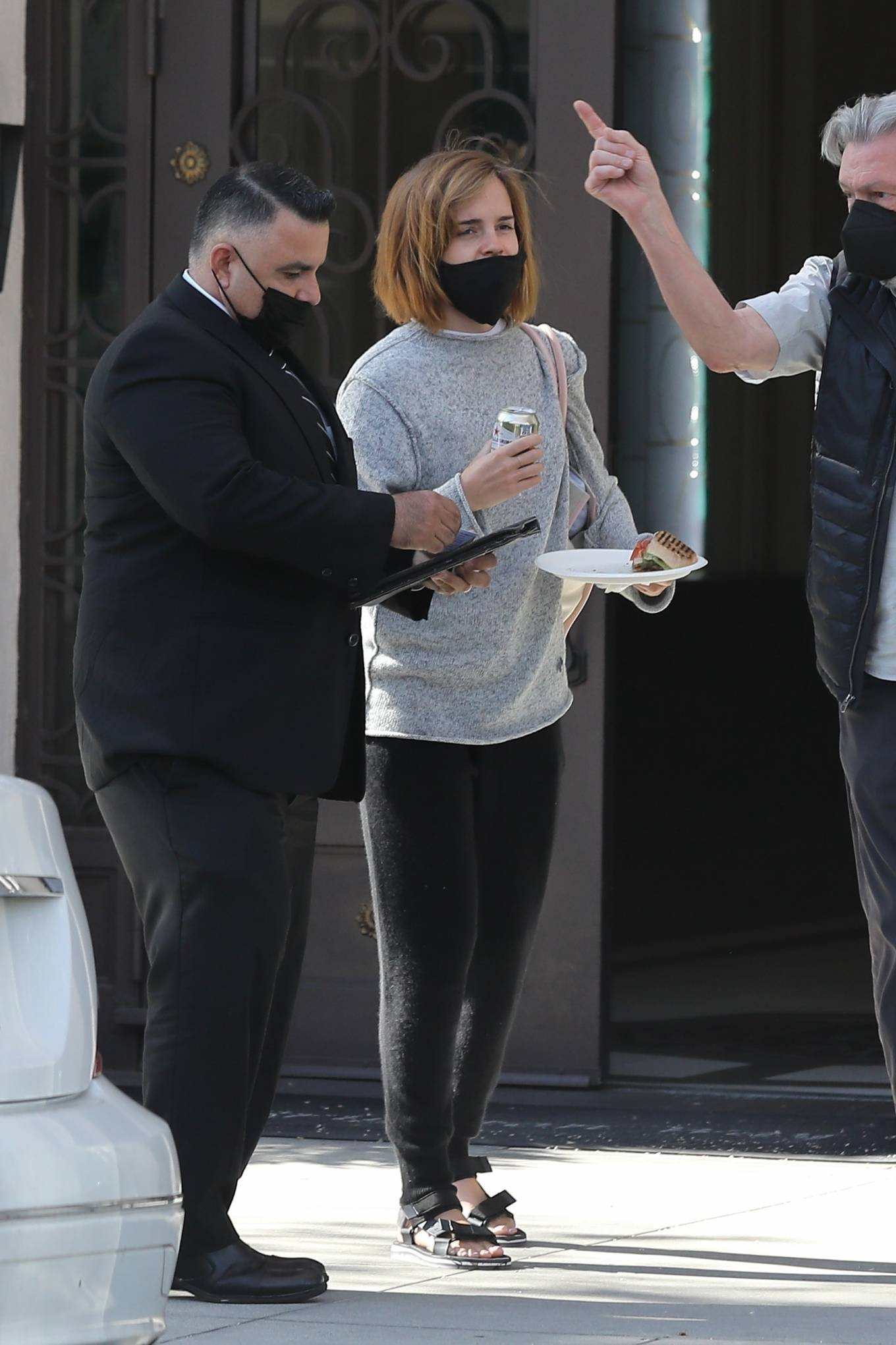 Emma Watson 2021 : Emma Watson – Spotted while leaving a visit to a Beverly Hills tailor-21