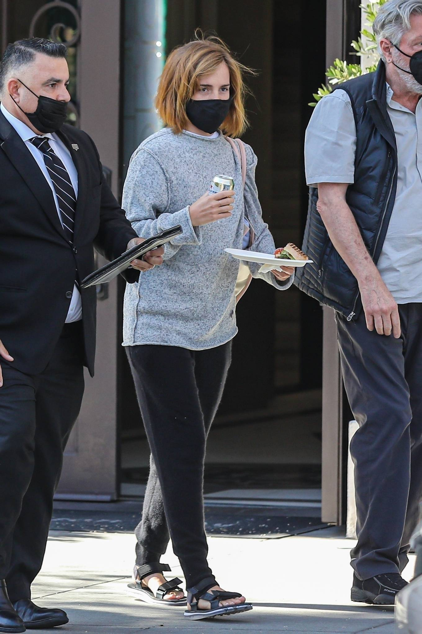 Emma Watson 2021 : Emma Watson – Spotted while leaving a visit to a Beverly Hills tailor-22