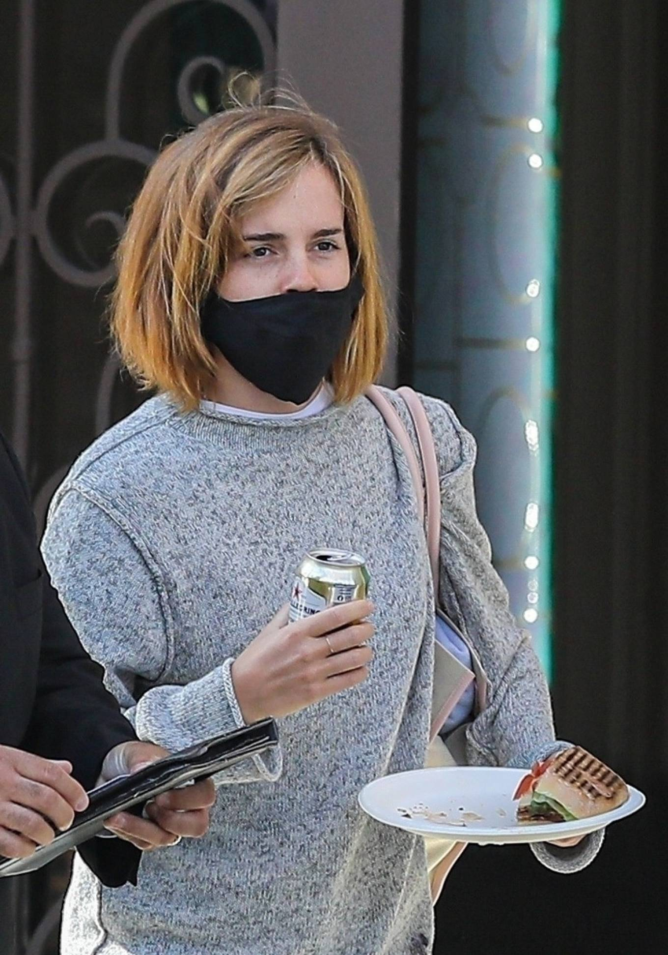 Emma Watson 2021 : Emma Watson – Spotted while leaving a visit to a Beverly Hills tailor-26