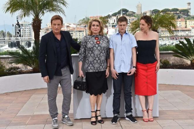 Emmanuelle Bercot 2015 : Emmanuelle Bercot: La Tete Haute Photocall at 2015 Cannes -23