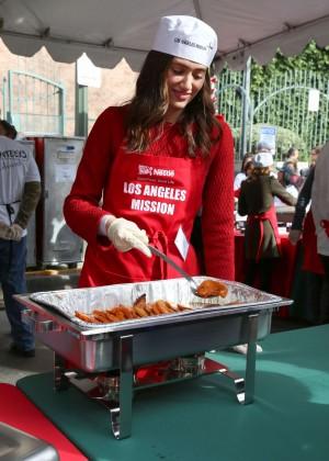 Emmy Rossum: 2015 Los Angeles Mission Christmas Dinner-05
