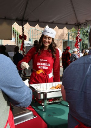 Emmy Rossum: 2015 Los Angeles Mission Christmas Dinner-06