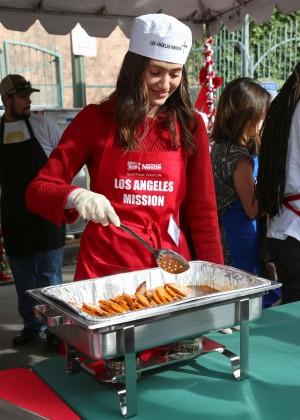 Emmy Rossum: 2015 Los Angeles Mission Christmas Dinner-07